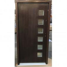 Venkovní vchodové dveře P7 80 Pravé Ořech Tl.-82, Sz-880, Hz-2080